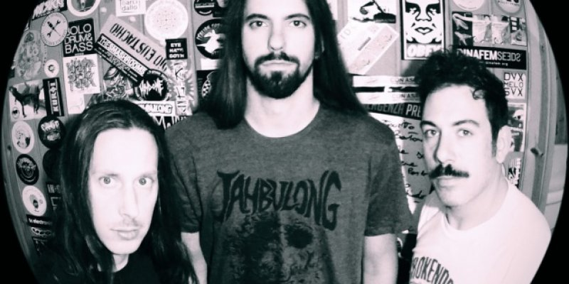 Stoner Doom trio JAHBULONG premiere brand new single from upcoming album!