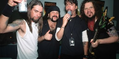 DAVE GROHL talks PANTERA Inspiration