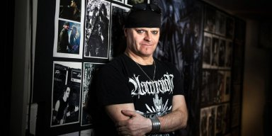 TRIPTYKON's THOMAS GABRIEL FISCHER: 'I Have No Respect For Record Companies'