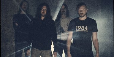 """EMPTINESS Premieres New Song, """"Vide, Incomplet"""""""