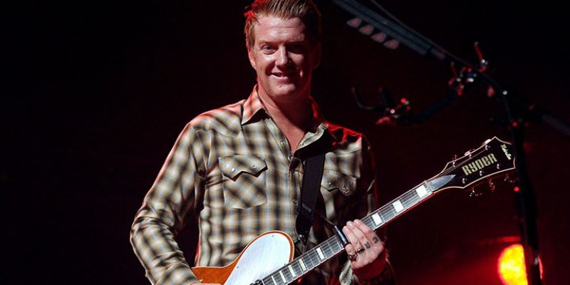 Josh Homme Kicks Female Photographer in the Head at Queens of the Stone Age Show