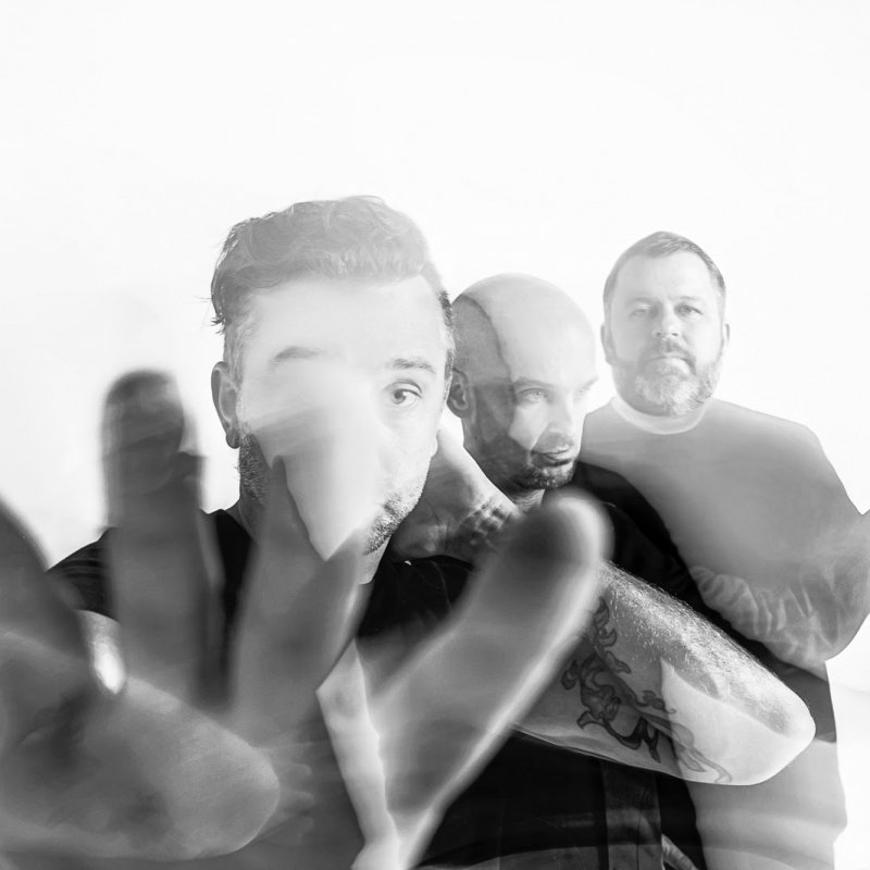 """RISE AGAINST share acoustic version of """"Nowhere Generation"""" feat. Meg Myers"""