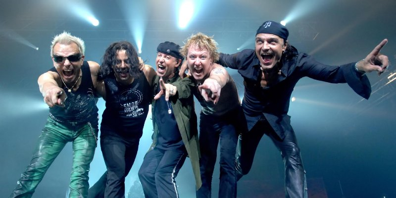 SCORPIONS Singer Slams DONALD TRUMP's Border Wall Plan
