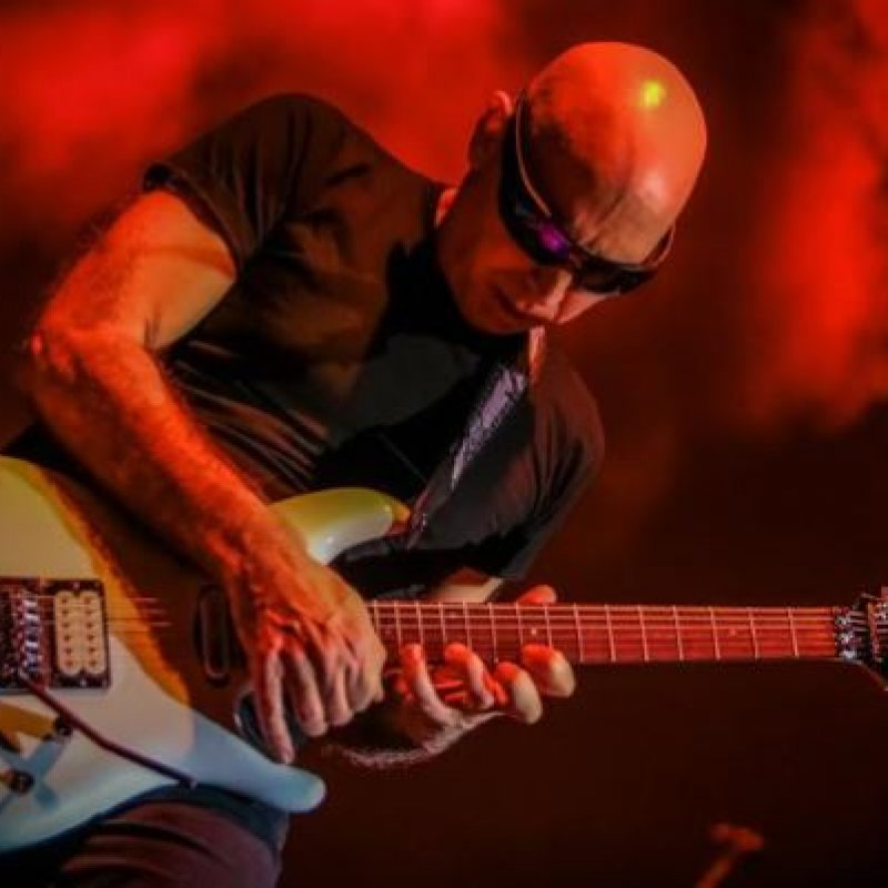 JOE SATRIANI On RITCHIE BLACKMORE: 'It's Unfortunate When Somebody You Look Up To Has Something Negative To Say About You'