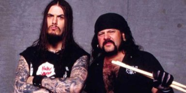 PHILIP ANSELMO Shares Picture Of Lit Candle Following VINNIE PAUL's Death