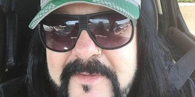 Sources Claim VINNIE PAUL Suffered 'Major Heart Attack'