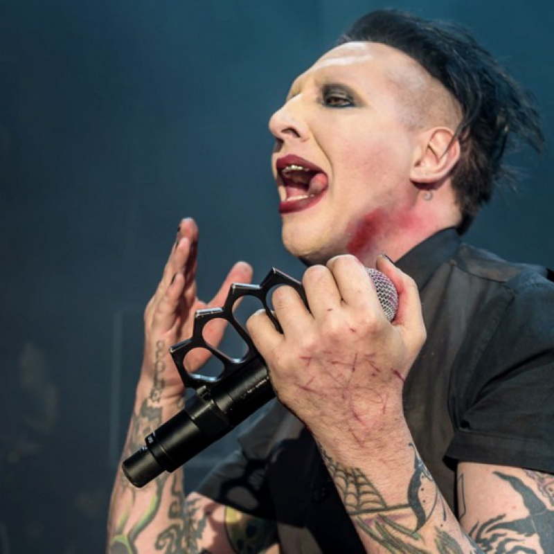 """Marilyn Manson Forced Fan to Take Off A7X Shirt: """"It's Not My Band"""""""