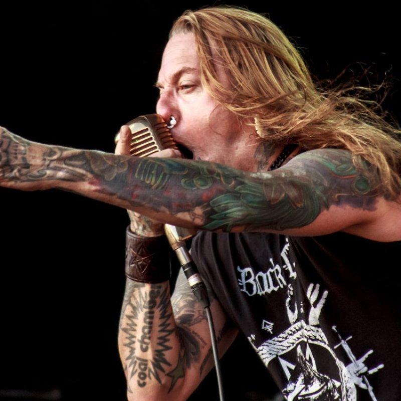 DEVILDRIVER's DEZ FAFARA Tells Us What He Thinks 'Metal Is' ?