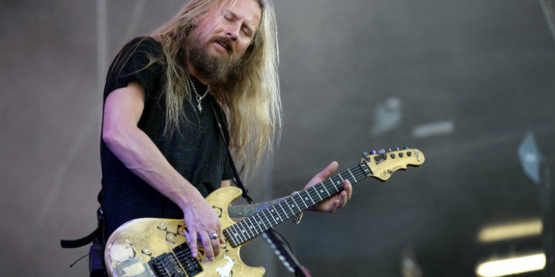 ALICE IN CHAINS' JERRY CANTRELL Unveils Solo Track 'Setting Sun' In Celebration Of DC COMICS' 'Dark Nights: Metal'