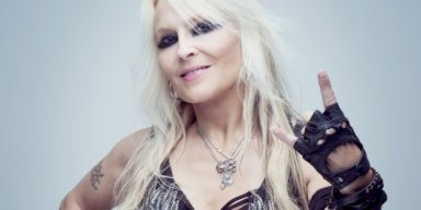 DORO PESCH: 'Nobody Wrote More Sad Lyrics Than LEMMY'