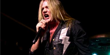 SEBASTIAN BACH On VINNIE PAUL: 'He Should've Had The Opportunity To Be An Old Man'