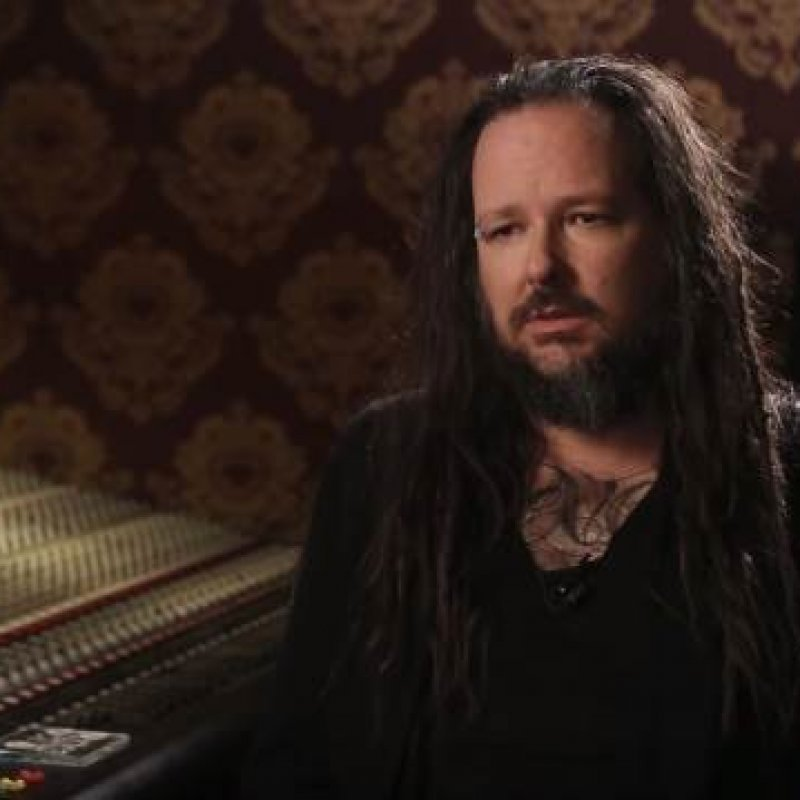 KORN Frontman Says He 'Got In Trouble' For 'Talking S**t' About METALLICA