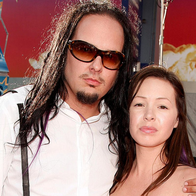 Korn Vocalist Jonathan Davis' Wife Deven Davis Dead at 39!