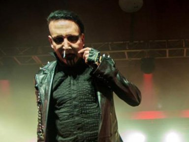 MARILYN MANSON Cuts Houston Concert Short Due To 'Food Poisoning'!