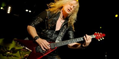 K.K. DOWNING Says GLENN TIPTON 'Liked The Odd One Too Many Beers Before Going On Stage Or During' JUDAS PRIEST Concerts