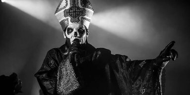 Tutorial: How to Do Ghost's Papa Emeritus III Makeup for Your Halloween Costume