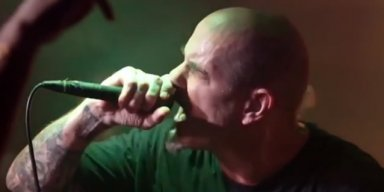 PHILIP ANSELMO Performs A Mini-Set Of PANTERA Classics In Austin And Nails It!