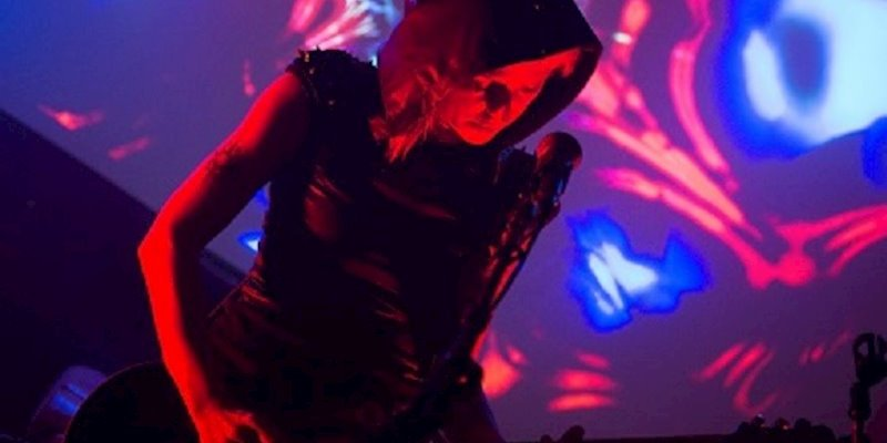 Check Out I Ya Toyah's Message of Suicide Prevention with CODE BLUE (electronic/industrial)