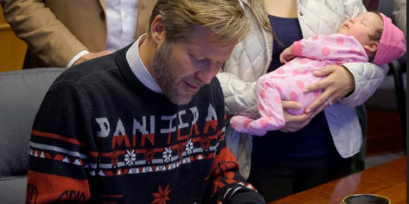 Albuquerque's Metalhead Mayor Wears PANTERA Christmas Sweater For Bill-Signing Ceremony!