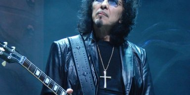 Tony Iommi Remembers Sabbath Playing for 2 People in Early Days: 'A Nutcase & A Hooker'