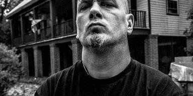 PHILIP ANSELMO Says EN MINOR Album Is 'The Darkest, Heaviest, Most Miserable S**t' He Has Ever Written!