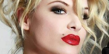 BOBBIE BROWN To Release 'Cherry On Top' Book In July