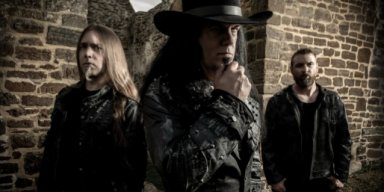 Former MORBID ANGEL Frontman DAVID VINCENT: Releases 'Monolilith' Song From VLTIMAS!
