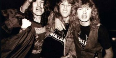 LARS ULRICH Says DAVE MUSTAINE's Early Lyrics Were Full Of Sexual Connotations