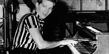 Jerry Lee Lewis hospitalised after suffering stroke