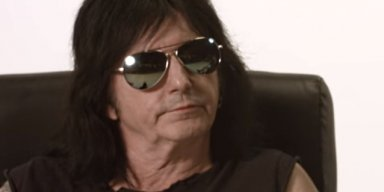 L.A. GUNS Singer PHIL LEWIS Says STEVE RILEY 'Will Make A Fool Of Himself'