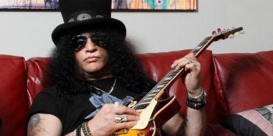 SLASH's Ex-Wife Auctioning His Stuff
