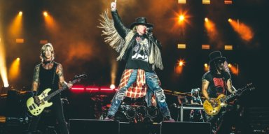 GUNS N' ROSES TO TOUR IN OCTOBER