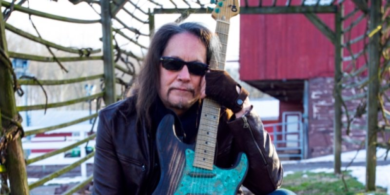 JAKE E. LEE: OZZY DIDN'T SNORT ANTS
