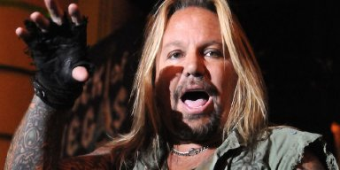 VINCE NEIL Refuses To Pay Lawyers $190,000