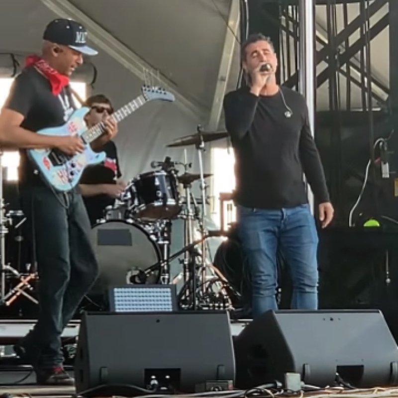 SERJ TANKIAN Joins TOM MORELLO For 'Like A Stone' Performance At SONIC TEMPLE (Video)
