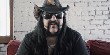 First Look At VINNIE PAUL's Headstone