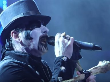 KING DIAMOND Performs New Song!