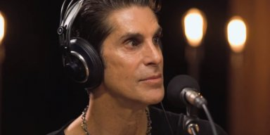 PERRY FARRELL On Political Topics: 'Now Is Not The Time To Be Silent'