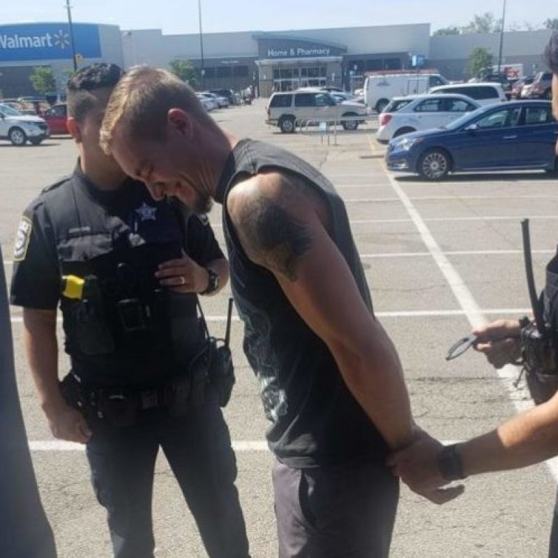Metal Band Had Police Called On Them At Walmart Parking Lot For Wearing Metal Shirts