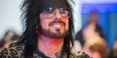 NIKKI SIXX Stealing His First Guitar & Getting Caught On Drug Charges