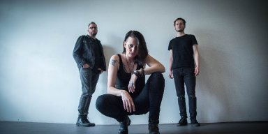 """Swiss Alternative-Rock power-trio Misty Bliss unveiled new music video """"Under The Sun"""". New single coming out next month on all digital platforms!"""