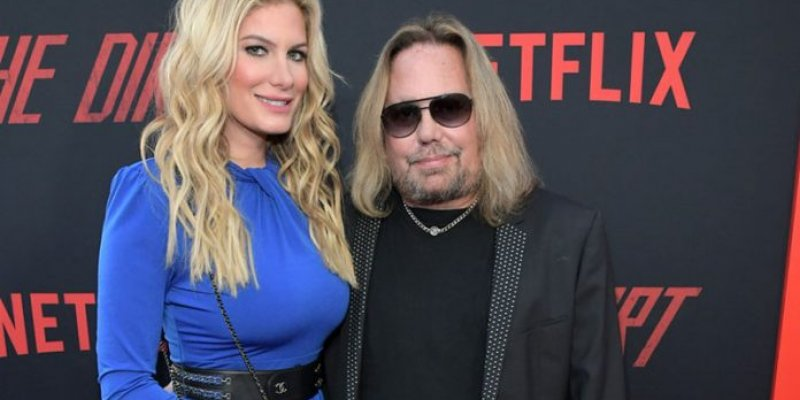 Vince Neil's Girlfriend Leaks New Photo After Weight Loss