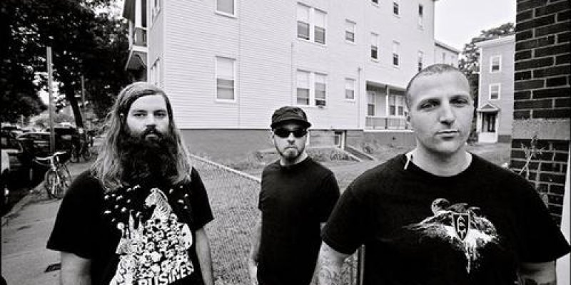 Listen to this new Tombs track loud as fucking fuck!