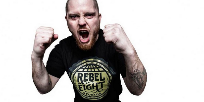 JAMEY JASTA Blasts DONALD TRUMP As A 'Fake Tan Freak' Who Is 'Bad At Stringing Together A Sentence'