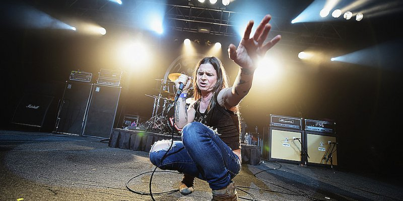 LIFE OF AGONY's MINA 'Is Not Buying Into The Fear' Of Covid-19