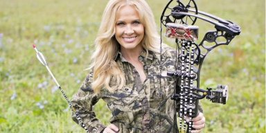 Ted Nugent's Wife Shows Her Shooting Skills Using A Full Auto MP5