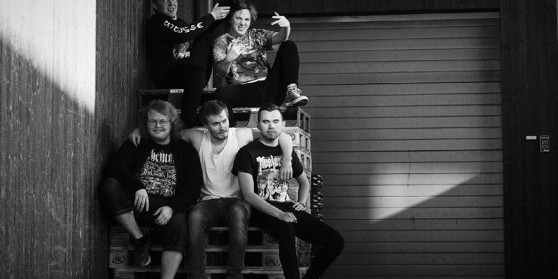 Norwegian Death Metal Féleth Premiere 'Swan Song' via Metal-Rules