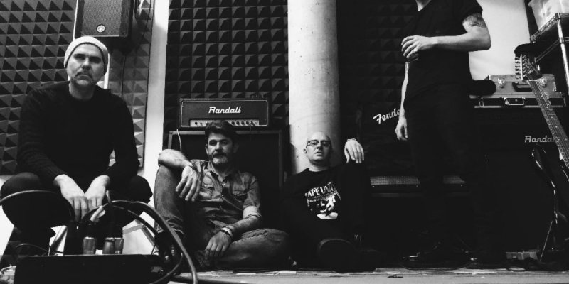 """ELM: New Noise Magazine Premieres """"Shell Of A Man"""" From Italian Noise Rock Unit; The Wait Full-Length To See Release Via Bronson Recordings Next Month"""