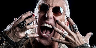 Heavy metal legend DEE SNIDER brings his electrifying live performance right into your living room with For The Love Of Metal Live!