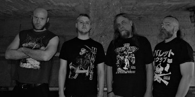 "America's CARDIAC ARREST premiere new track at ""Deaf Forever"" magazine's website"